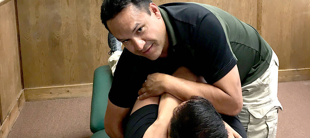 Dwayne Macias, PT, DPT Completes MT-2: Essential Spinal Seminar